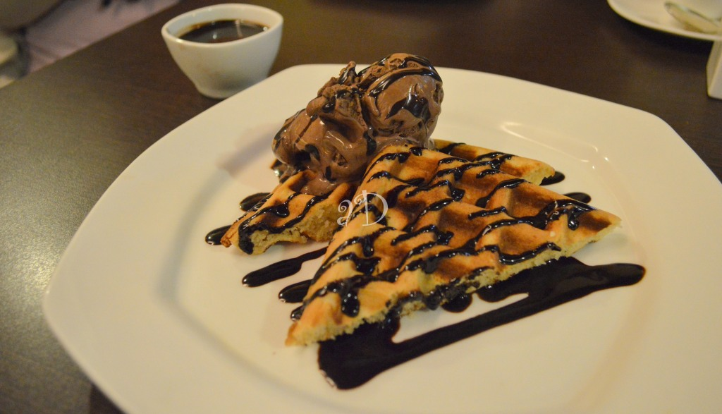 Belgian waffle with chocolate icecream, At Piccadilly Square, Alipore