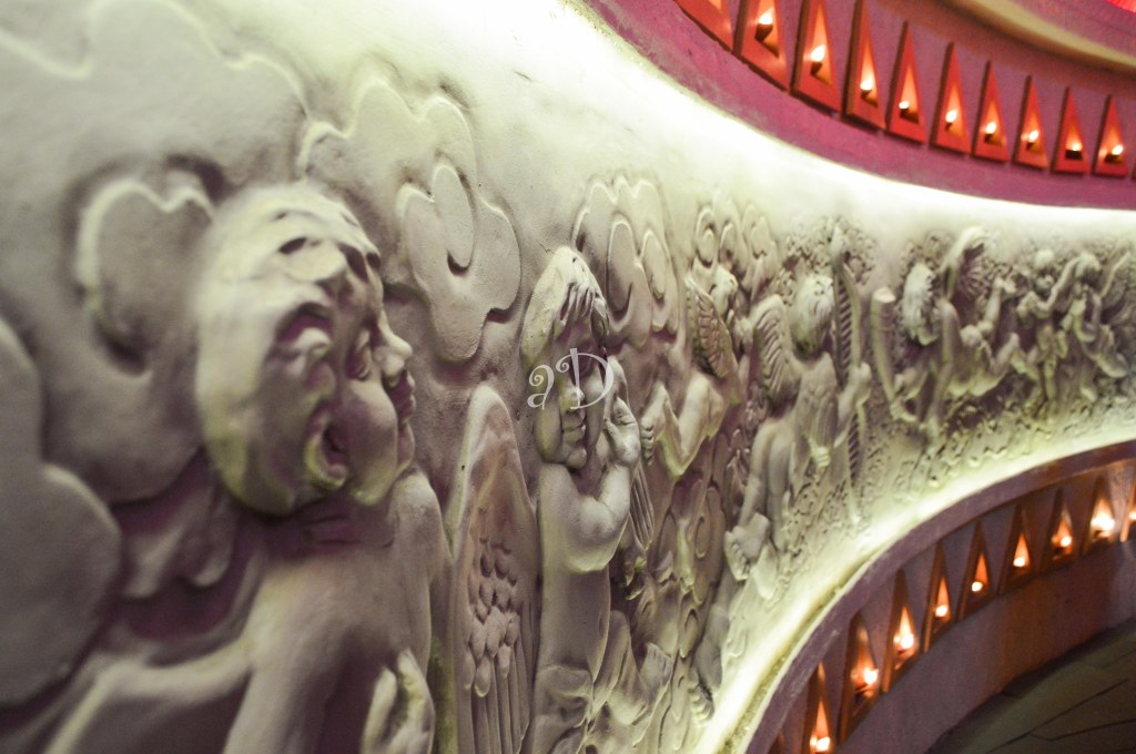 Sculptures at Kashi Bose Lane Pandal
